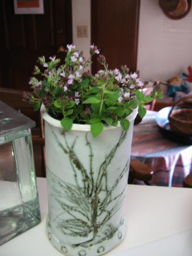vase_herbs