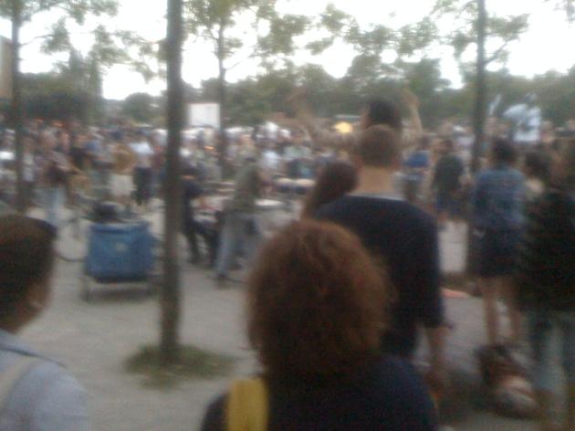 mauerpark_street_music_brazilian_drummers