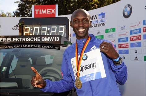 Wilson Kipsang  shatters marathon  world record