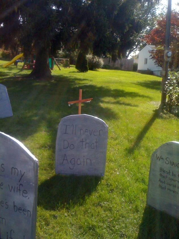 funny tomb stones Halloween